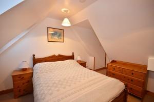 Coachmans_Bedroom_Double2