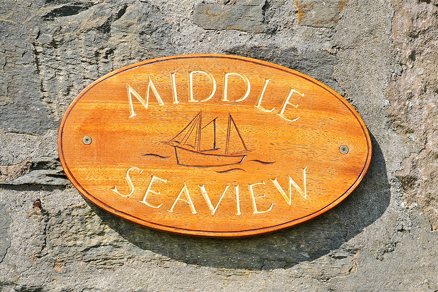 MiddleSeaview_Sign