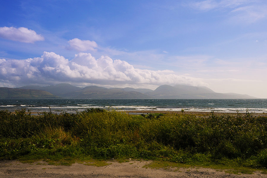 http://www.skipnesscottages.co.uk/wp-content/uploads/2016/01/MiddleSeaview_View1.jpg