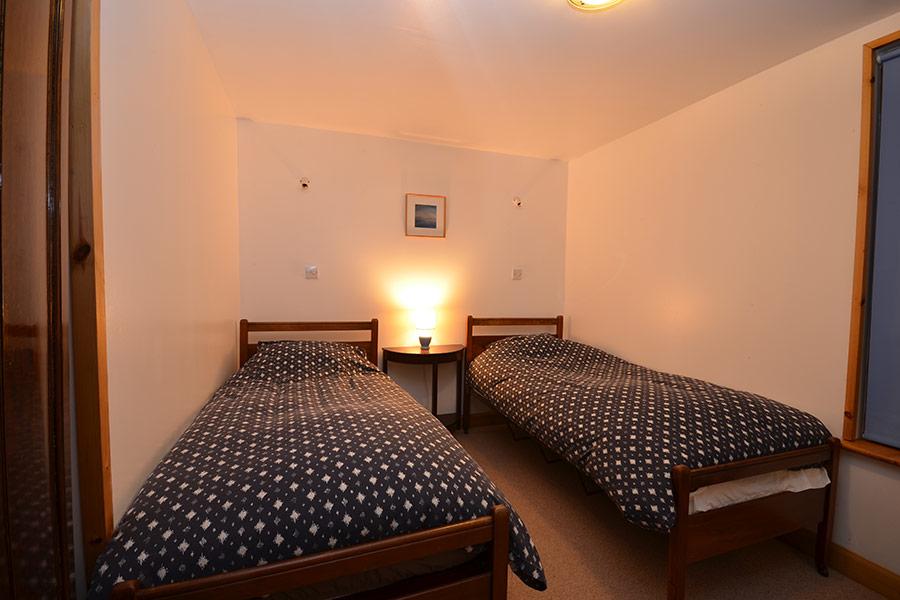 OldPumphouse_Bedroom_Twin1