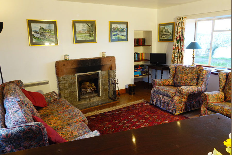 http://www.skipnesscottages.co.uk/wp-content/uploads/2016/01/PortNaChroNorth_SittingRoom2.jpg